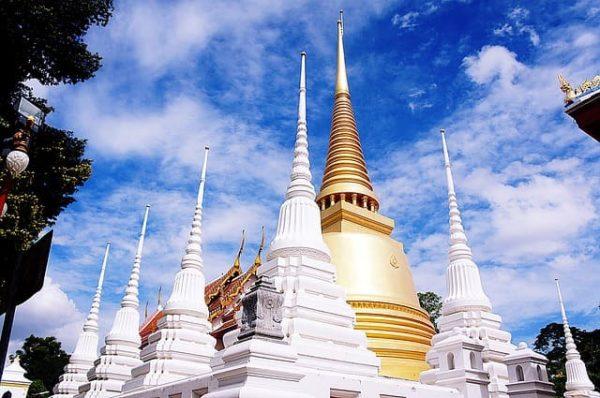 タイ 寺院 マナー